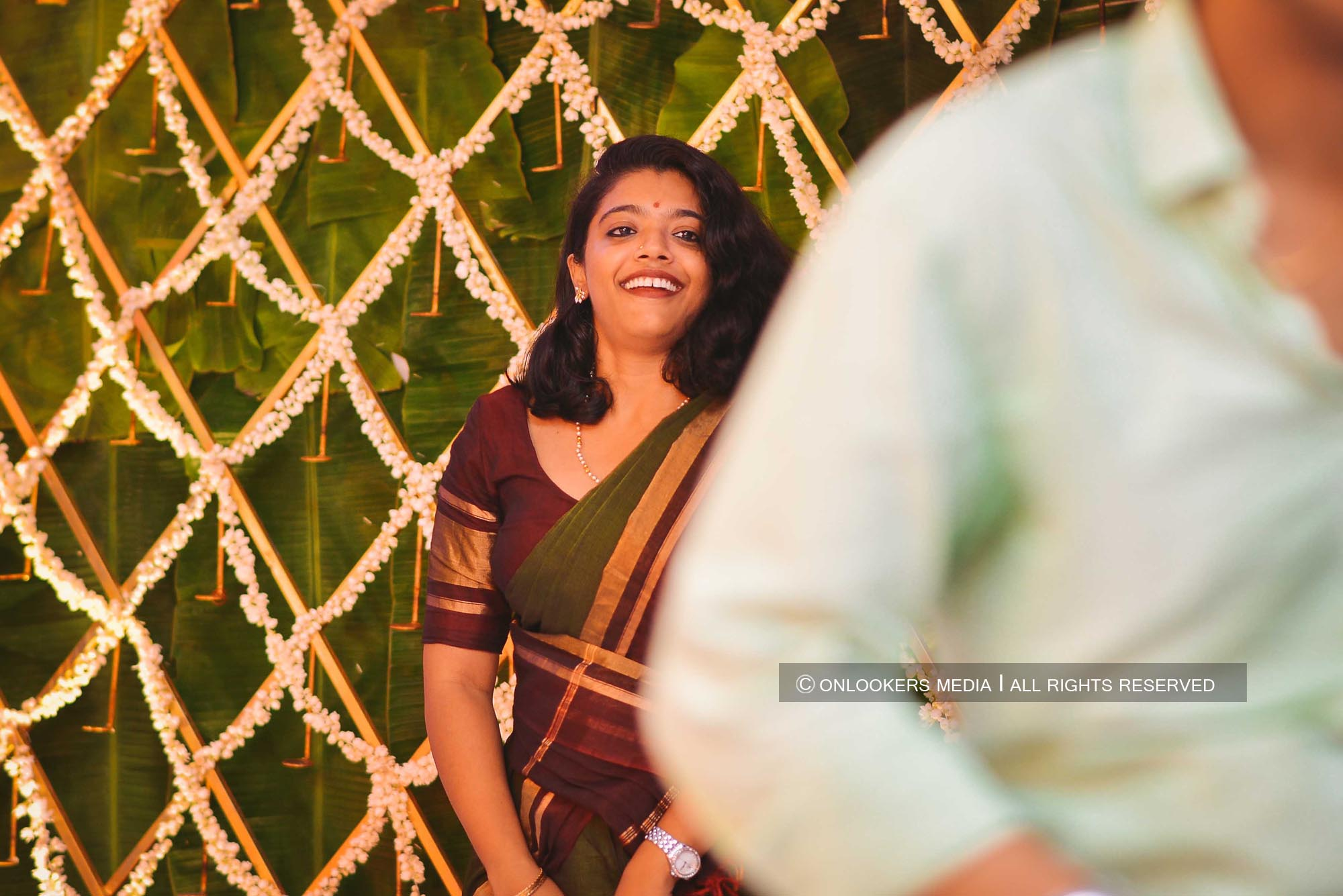 http://onlookersmedia.in/wp-content/uploads/2018/05/sreejith-vijay-wedding-stills-images-128.jpg