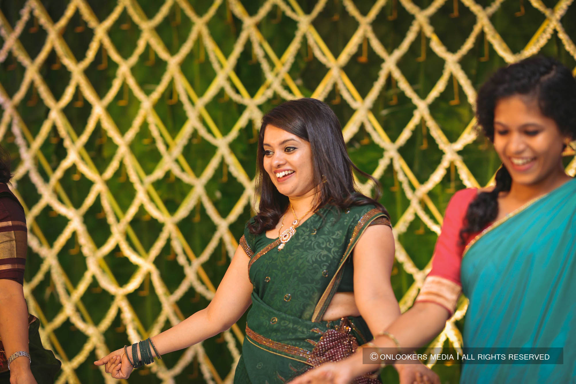 http://onlookersmedia.in/wp-content/uploads/2018/05/sreejith-vijay-wedding-stills-images-130.jpg