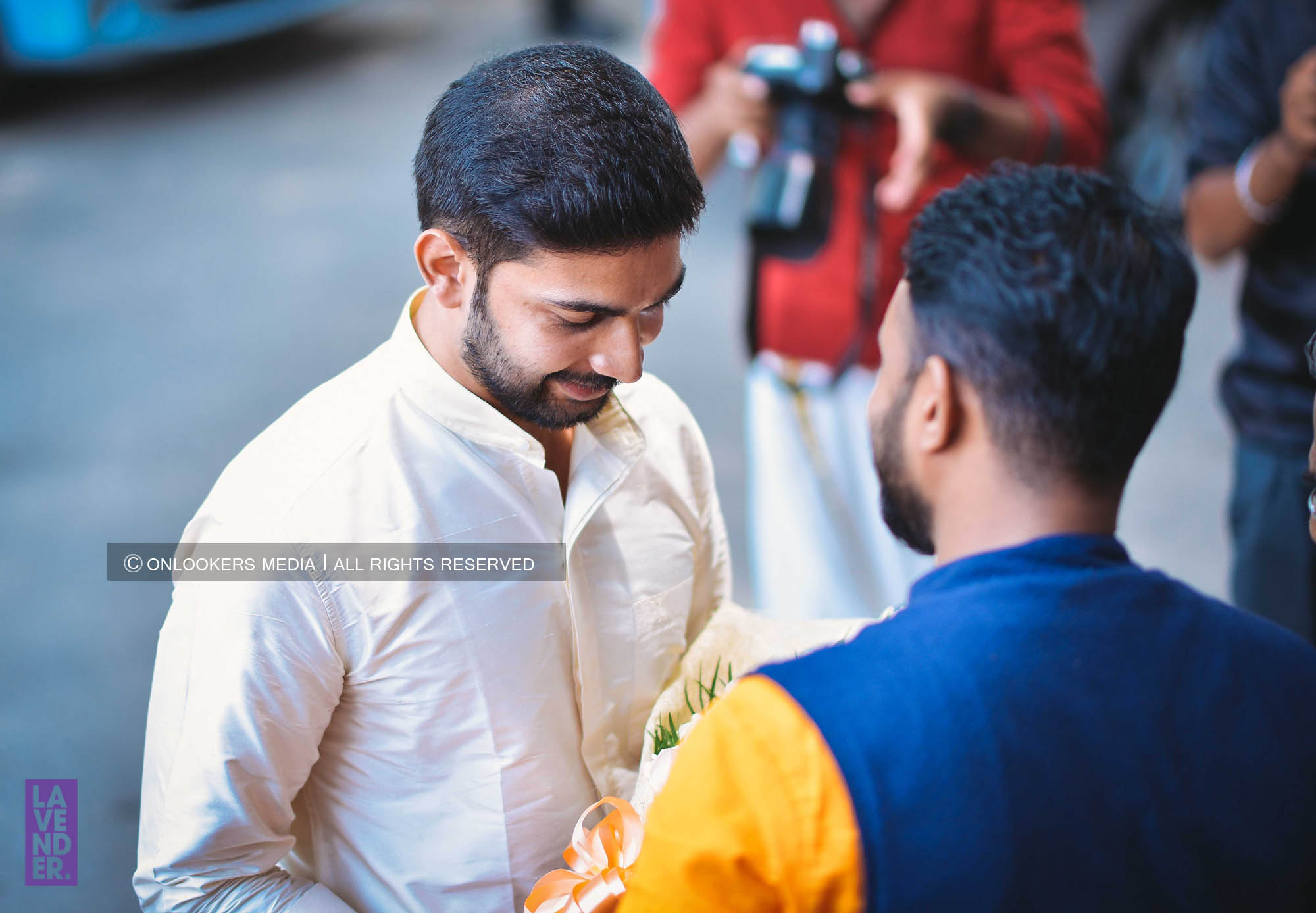 http://onlookersmedia.in/wp-content/uploads/2018/05/sreejith-vijay-wedding-stills-images-14.jpg