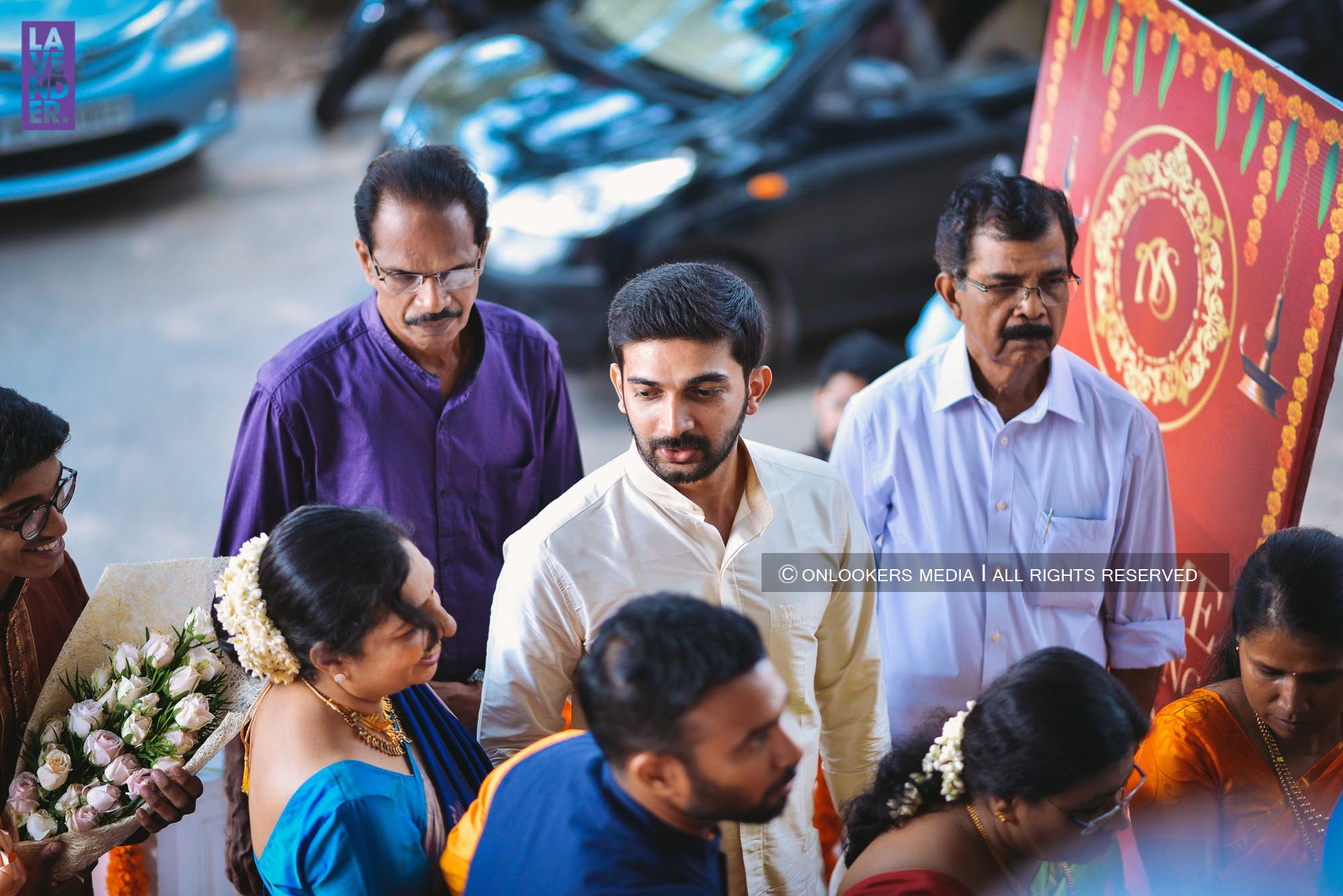 http://onlookersmedia.in/wp-content/uploads/2018/05/sreejith-vijay-wedding-stills-images-20.jpg