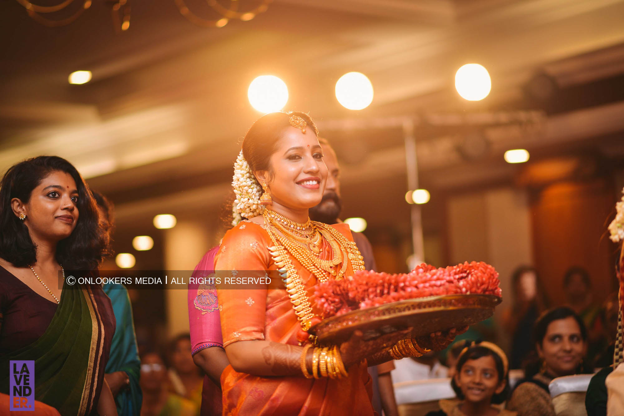 http://onlookersmedia.in/wp-content/uploads/2018/05/sreejith-vijay-wedding-stills-images-37.jpg