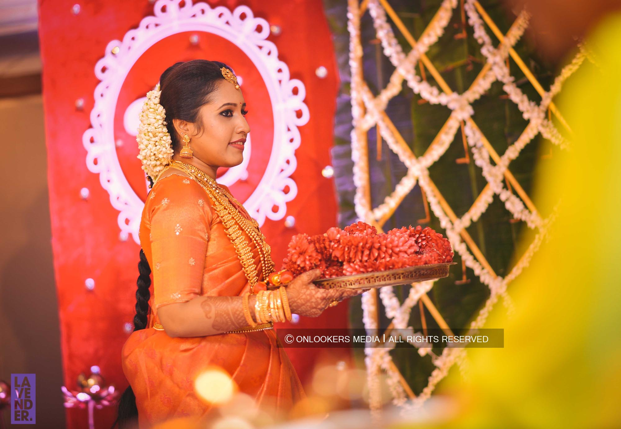 http://onlookersmedia.in/wp-content/uploads/2018/05/sreejith-vijay-wedding-stills-images-38.jpg