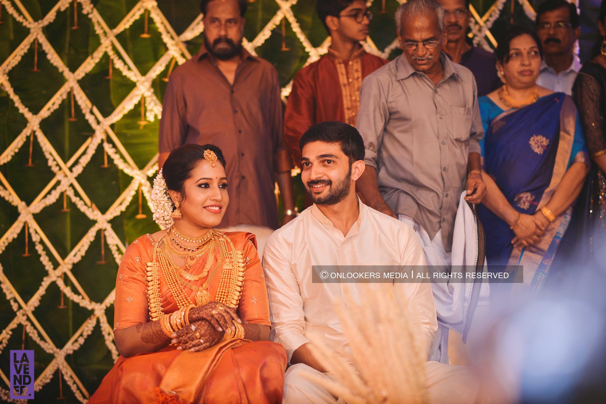 http://onlookersmedia.in/wp-content/uploads/2018/05/sreejith-vijay-wedding-stills-images-41.jpg