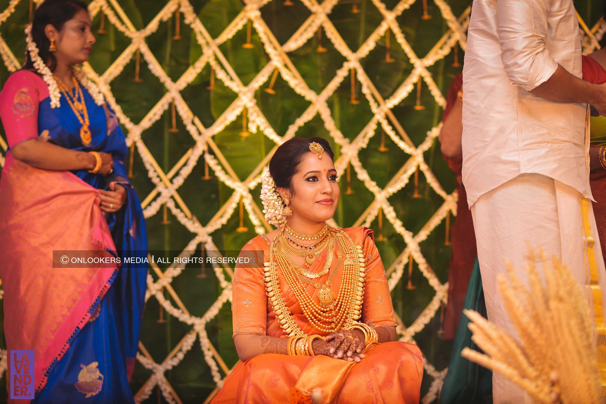 http://onlookersmedia.in/wp-content/uploads/2018/05/sreejith-vijay-wedding-stills-images-42.jpg