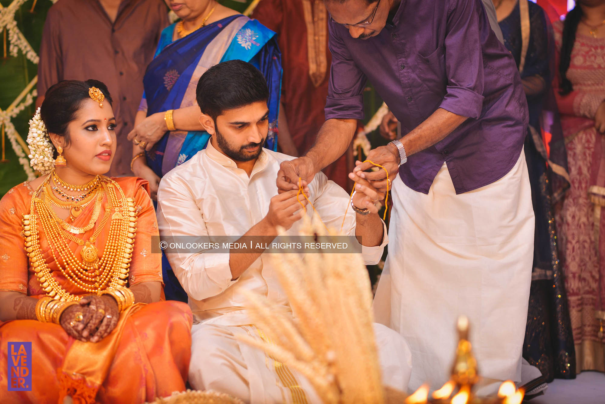 http://onlookersmedia.in/wp-content/uploads/2018/05/sreejith-vijay-wedding-stills-images-48.jpg