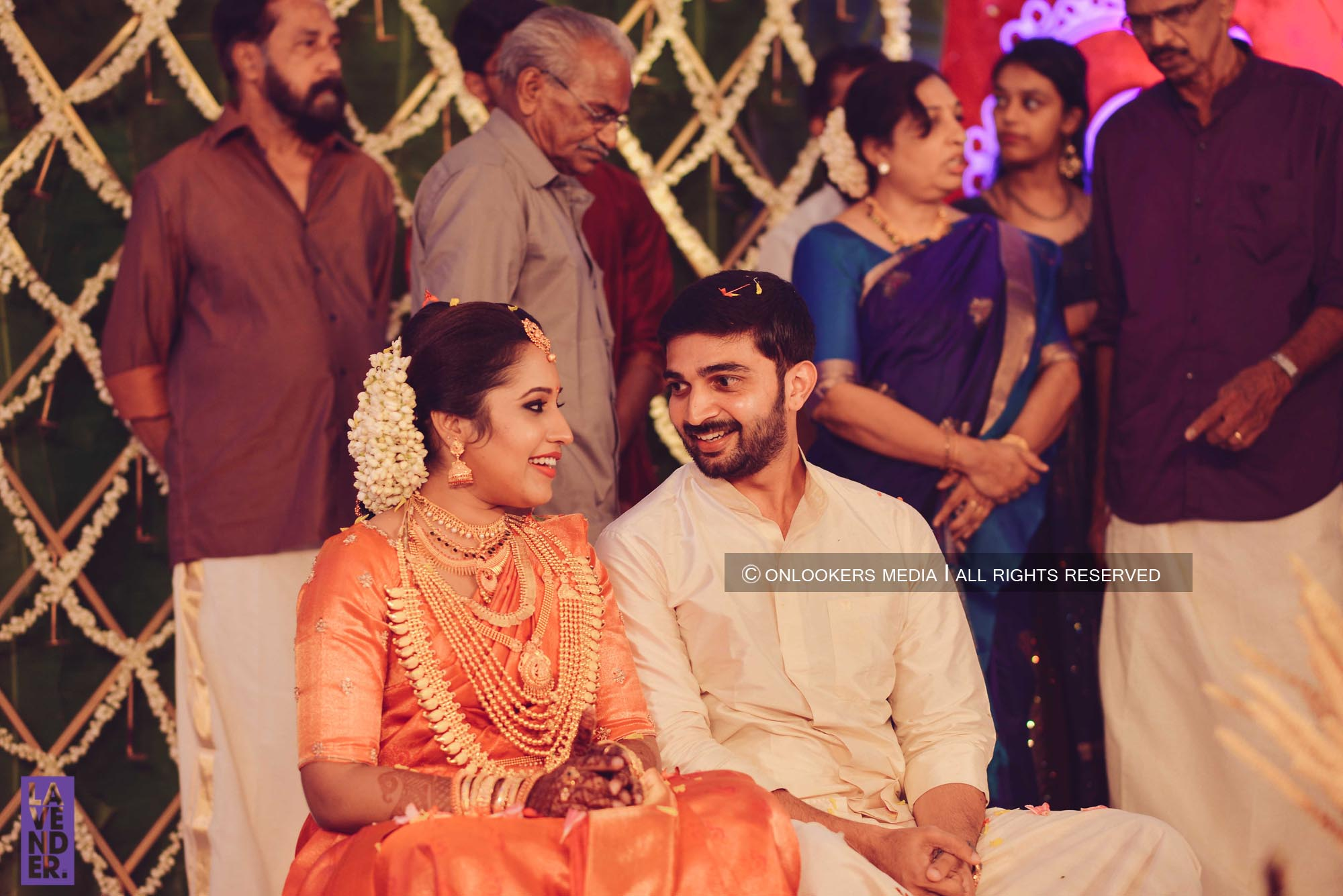 http://onlookersmedia.in/wp-content/uploads/2018/05/sreejith-vijay-wedding-stills-images-52.jpg