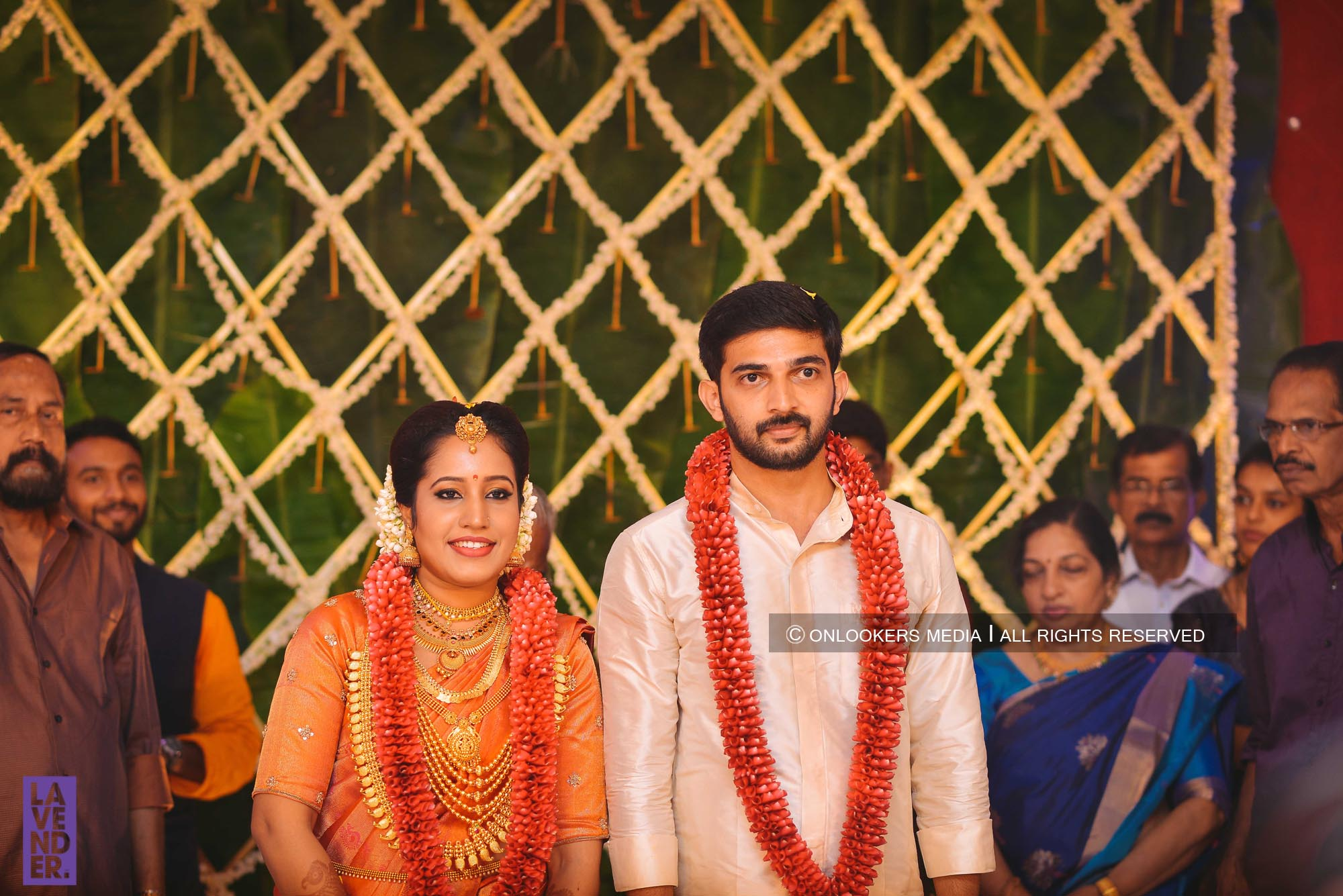 http://onlookersmedia.in/wp-content/uploads/2018/05/sreejith-vijay-wedding-stills-images-54.jpg
