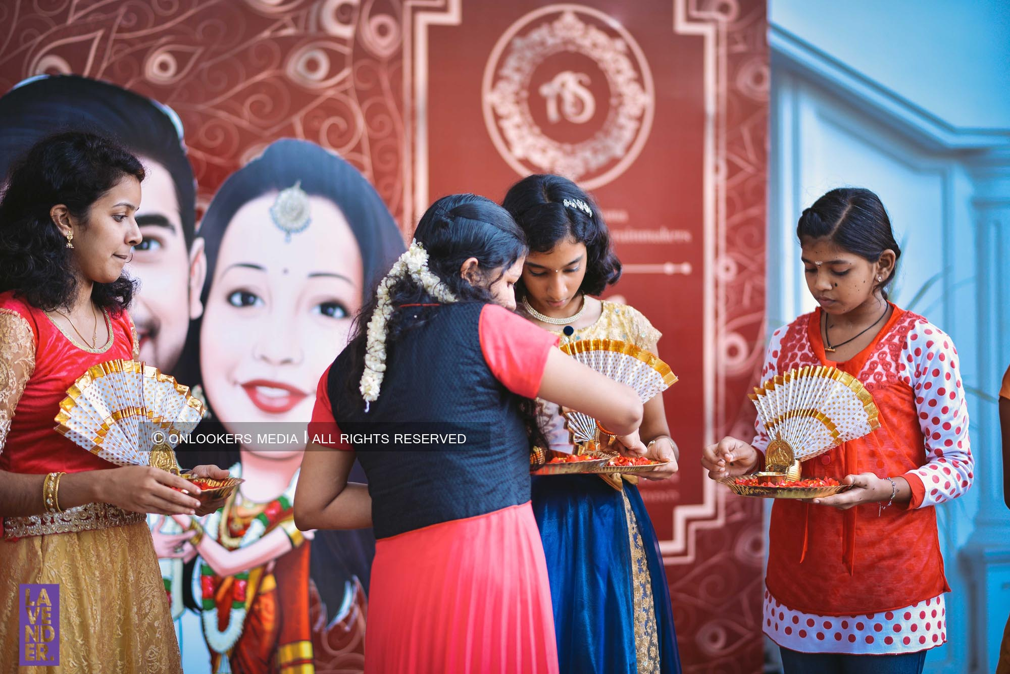 http://onlookersmedia.in/wp-content/uploads/2018/05/sreejith-vijay-wedding-stills-images-6.jpg