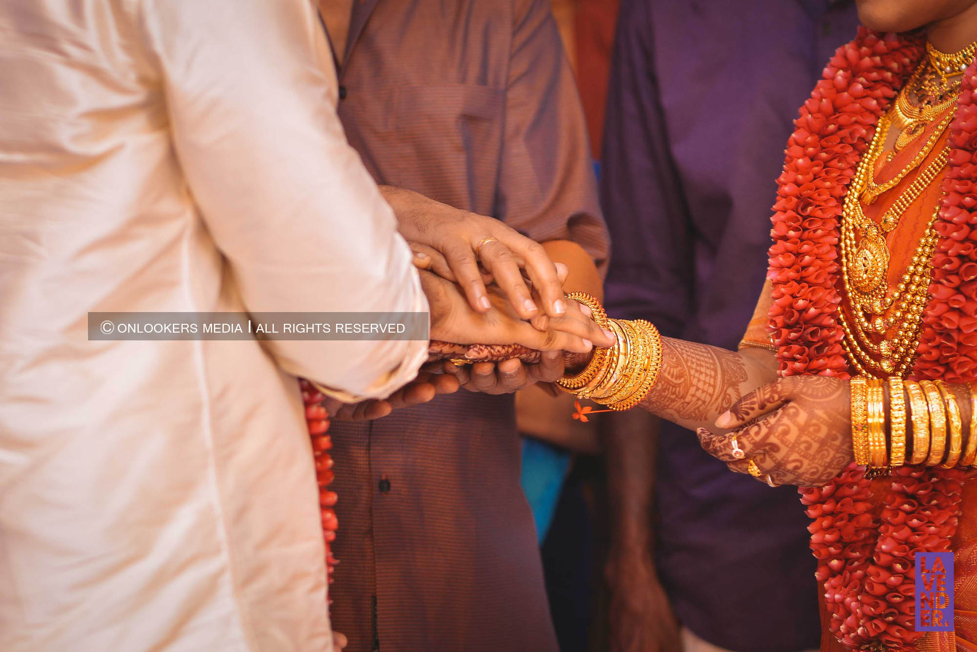 http://onlookersmedia.in/wp-content/uploads/2018/05/sreejith-vijay-wedding-stills-images-61.jpg