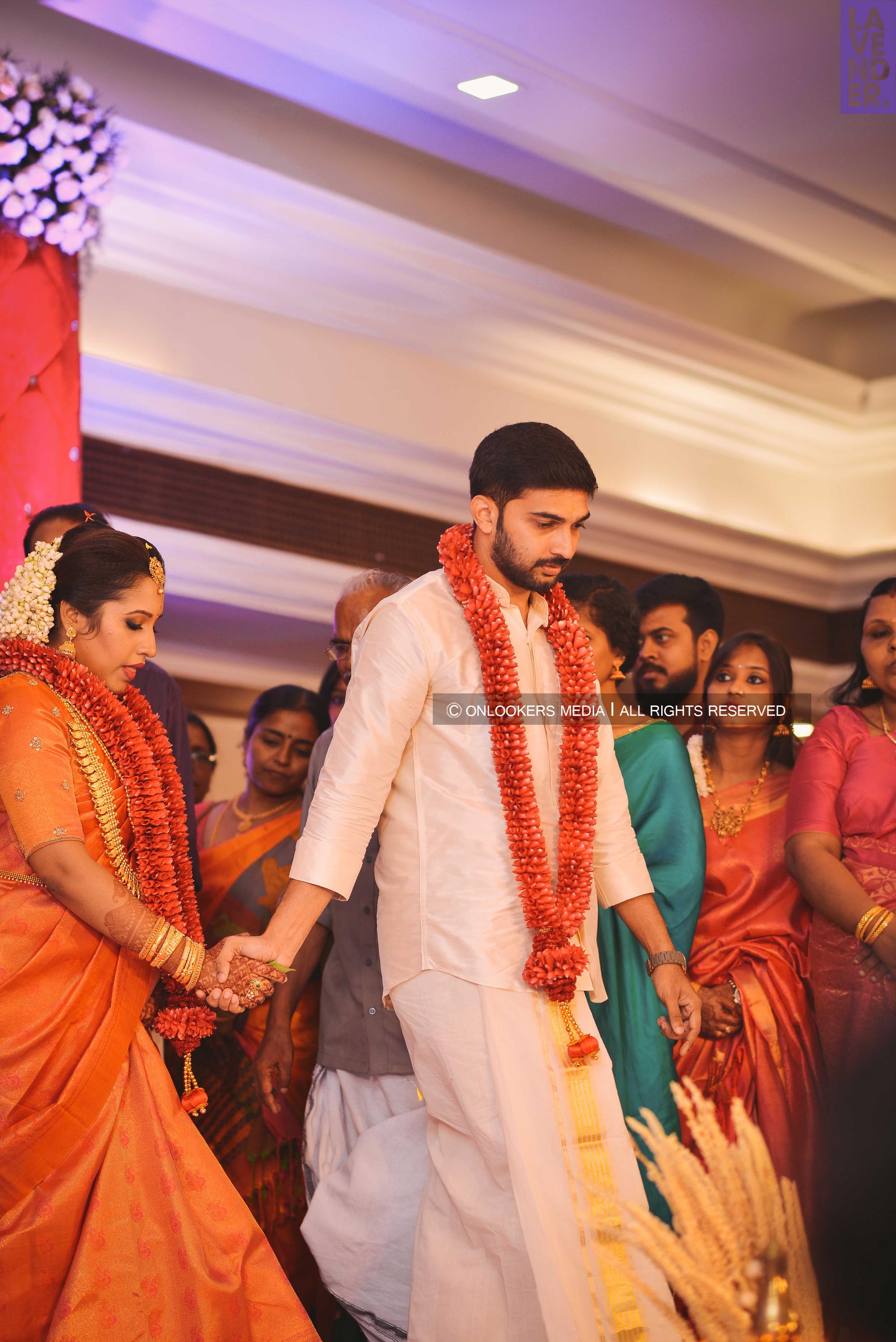 http://onlookersmedia.in/wp-content/uploads/2018/05/sreejith-vijay-wedding-stills-images-63.jpg