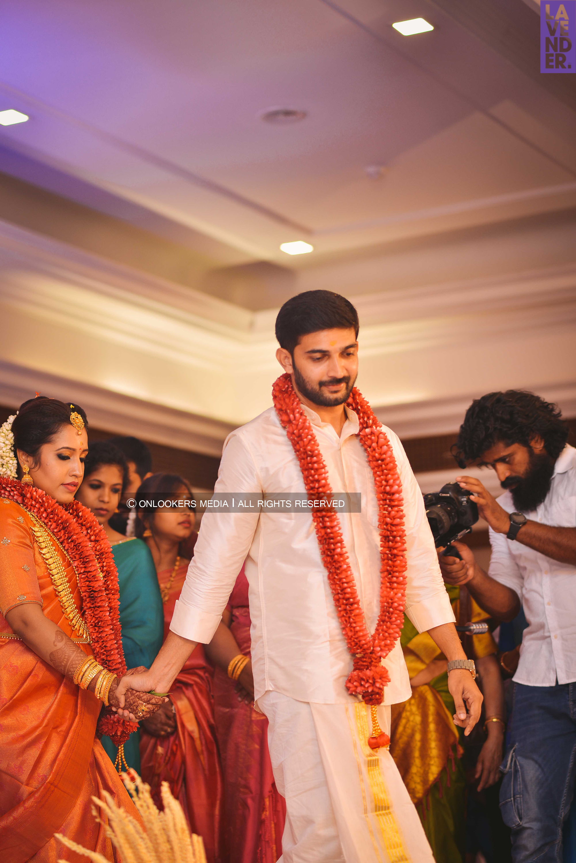 http://onlookersmedia.in/wp-content/uploads/2018/05/sreejith-vijay-wedding-stills-images-65.jpg