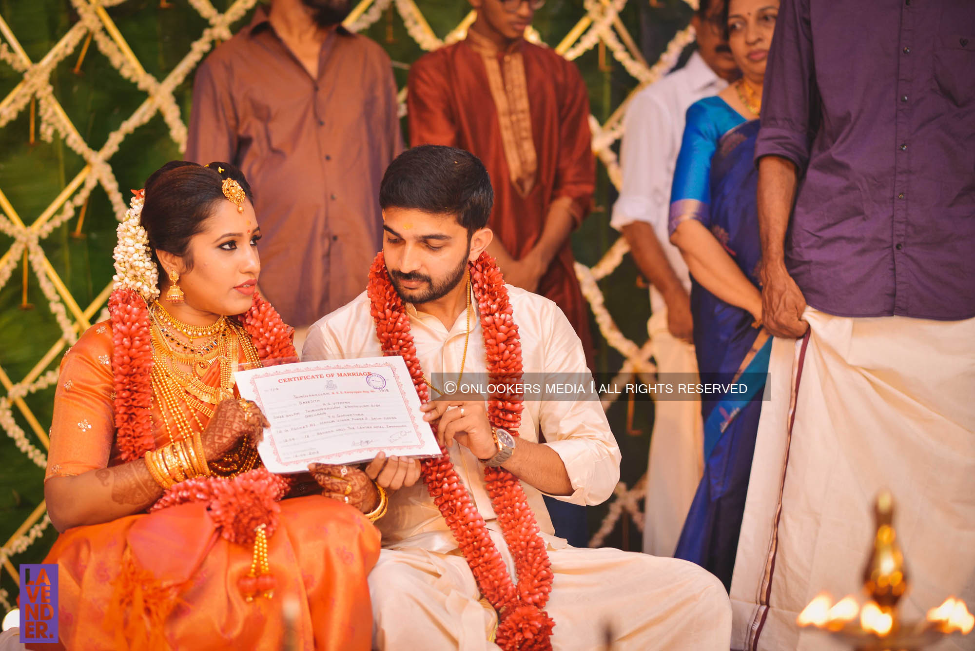http://onlookersmedia.in/wp-content/uploads/2018/05/sreejith-vijay-wedding-stills-images-66.jpg