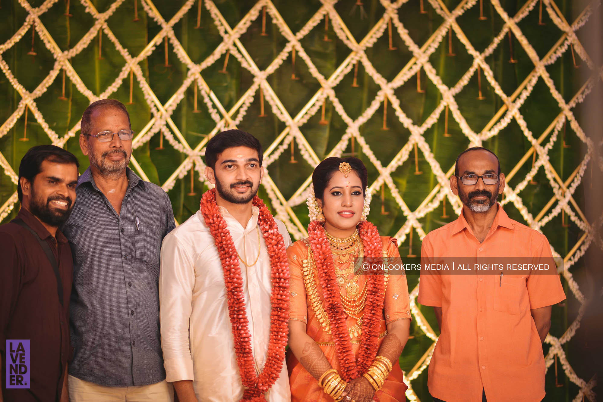 http://onlookersmedia.in/wp-content/uploads/2018/05/sreejith-vijay-wedding-stills-images-80.jpg