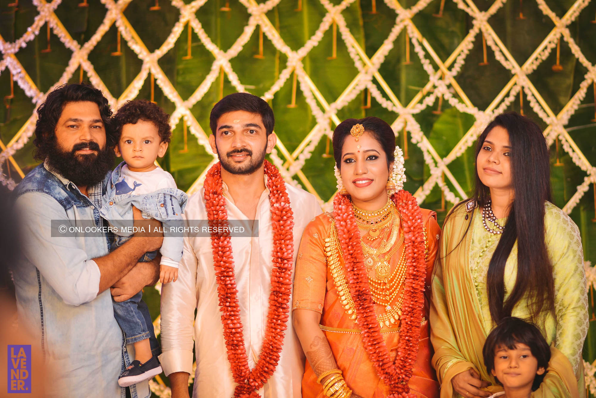 http://onlookersmedia.in/wp-content/uploads/2018/05/sreejith-vijay-wedding-stills-images-88.jpg