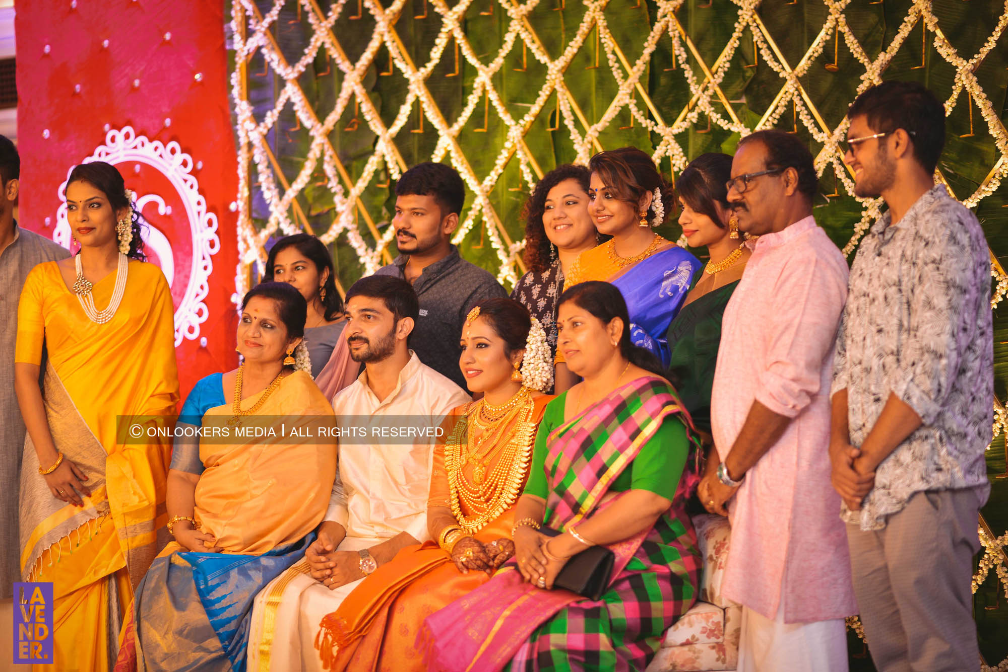 http://onlookersmedia.in/wp-content/uploads/2018/05/sreejith-vijay-wedding-stills-images-96.jpg