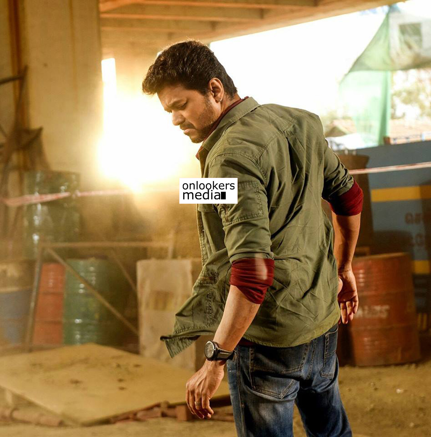 sarkar review,sarkar review rating report,sarkar hit or flop,sarkar tamil movie review,thalapathy vijay's sarkar review,ar murugadoss sarkar review,sarkar movie stills,sarkar poster,thalapathy vijay's sarkar movie stills