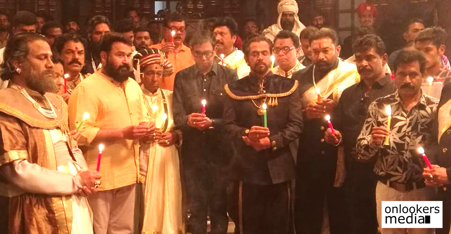 mohanlal,marakkar movie,marakkar movie updates,marakkar arabikadalinte simham,priyadarshan,marakkar crew crew offer prayers to the slain jawans in Pulwama terror attack,Pulwama terror attack
