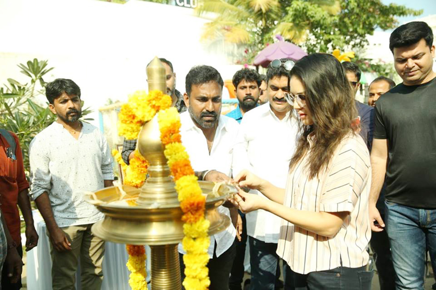 Rangeela,sunny leone,actress sunny leone.sunny leone's malayalam movie,rangeela malayalam movie pooja stills,sunny leone's first malayalam movie,sunny leone's new malayalam movie,sunny leone's rangeela pooja ceremony,rangeela pooja ceremony stills