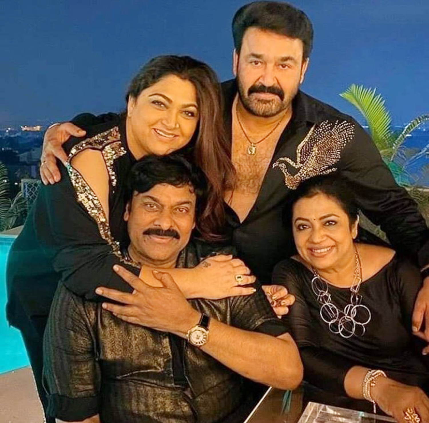Chiranjeevi ,80's reunion,south indian film 80's reunion,80's stars reunion,80's reunion images,mohanlal chiranjeevi pics from 80's reunion,80's reunion party images