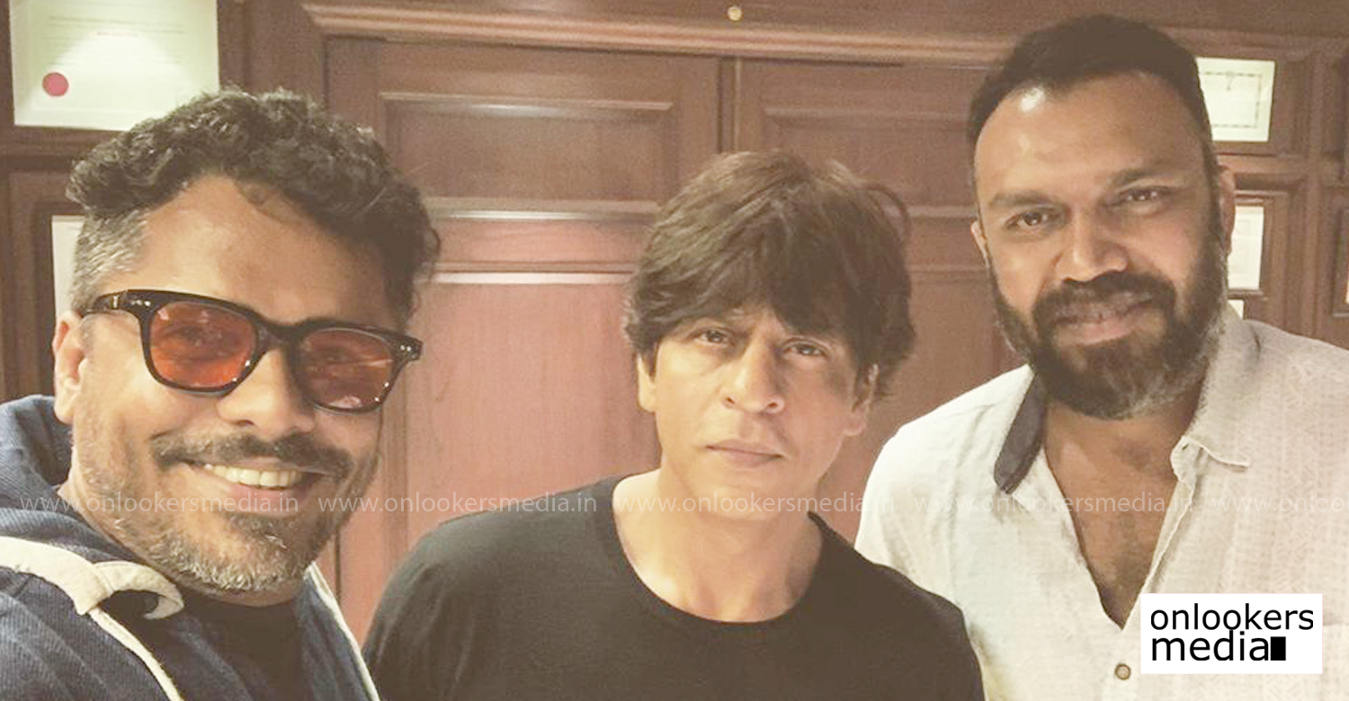 Aashiq Abu,shah rukh khan,syam pushkaran,aashiq abu and syam pushkaran with aashiq abu,shah rukh khan's latest news,malayalam director aashiq abu with shah rukh khan,latest malayalam film news,aashiq abu shah rukh khan syam pushkaran