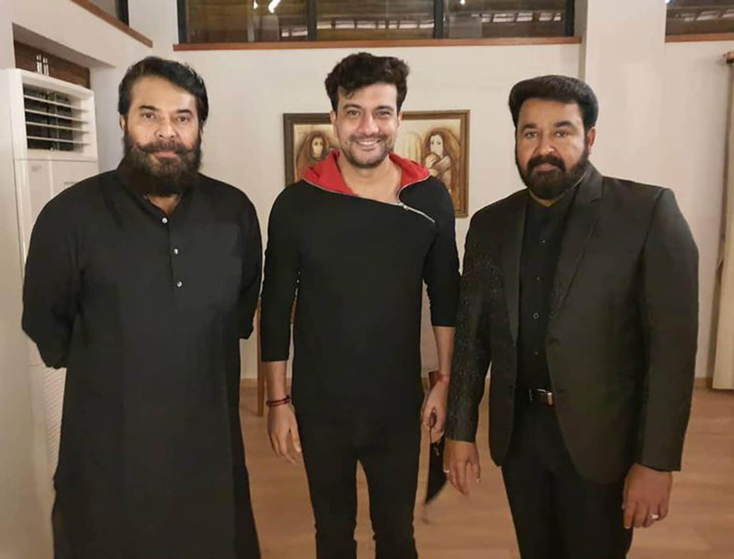 Mohanlal and Mammootty's photos from Antony Perumbavoor's daughter's reception,mohanlal mammootty latest images,mohanlal new look photos,mammootty latest look,mammootty latest images,mammootty mohanlal new photos